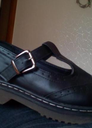 Новые кожанные туфли