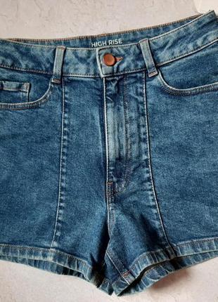 Женские джинсовые шорты c&a