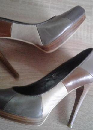 Grado кожа пятицветные туфли на каблуке 40р(25)
