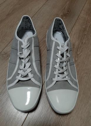 Кожаные  летние  туфли в спортивном стиле