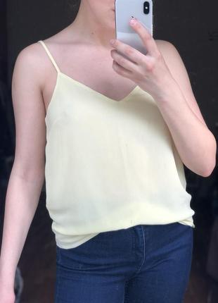 Шифоновая нежно-желтая блуза на бретелях new look майка