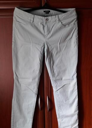 Мятные брюки джинсы