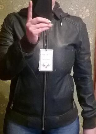 Курточка кожаная бренд zara 100%
