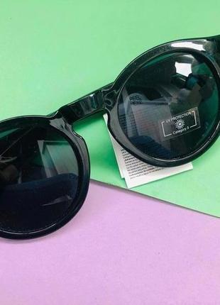 Стильные женские солнцезащитные очки примарк
