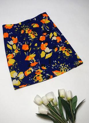 Короткая фактурная юбка трапеция с цветочным принтом от george