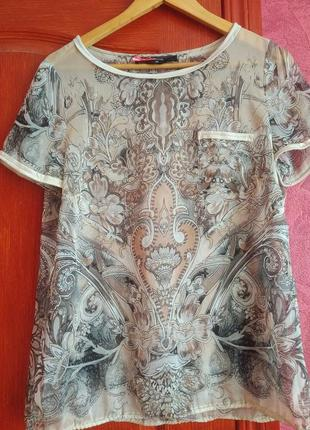 Легка шифонова блузка