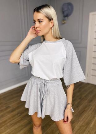 Спортивный домашний костюм комплект серый футболка с рукавами оверсайз мини юбка короткая