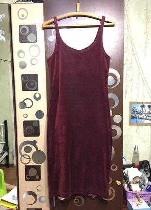 Платье-майка насыщеного цвета марсала вилюровое бархатное