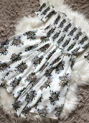 Легесеньке літнє плаття