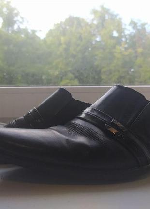 Мужские лаковые чёрные туфли, размер 39