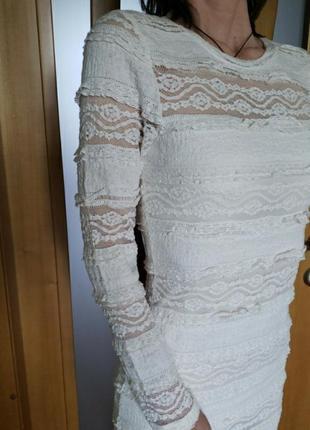 Кружевное стречевое платье оттенка ivory xs s h&m