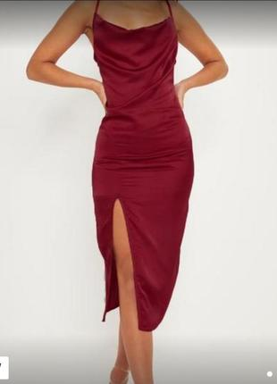 Красивое легкое платьн с разрезом сбоку бордовая о ливающая ткань 10м