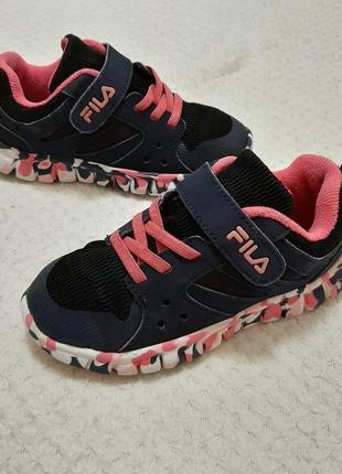 Супер легкие оригинальные кроссовки fila р. 28-29 (18,5см) легкие, удобные