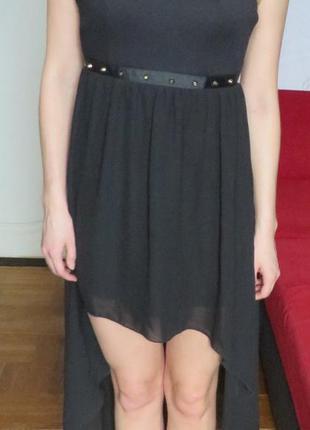 6373535cdbb Черное платье с пирамидками спереди короткое сзади длинное