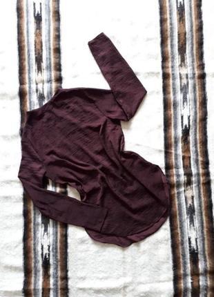 Блузка длинная бардовая с длинным рукавом и застежкой сзади