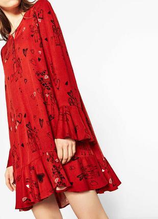 Платье с принтом и воланом от zara
