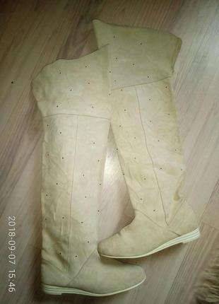 Натуральные замшевые тонкие сапоги ботфорты