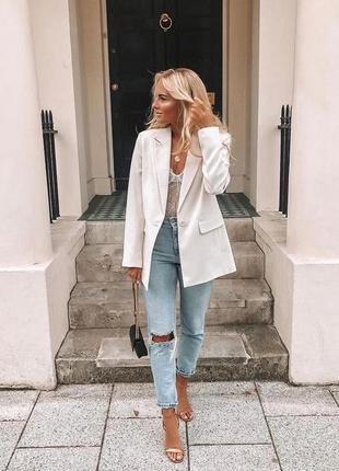 Очень крутой удлинённый льняной пиджак