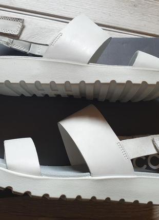 Новые кожаные босоножки ecco 41 сандали экко