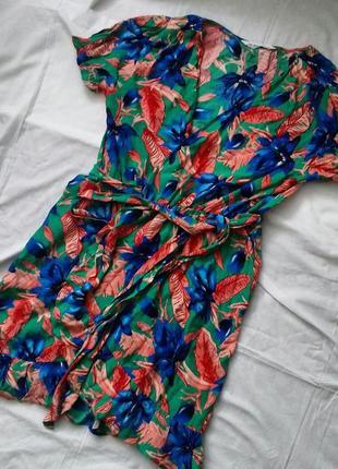 Платье короткое на запах
