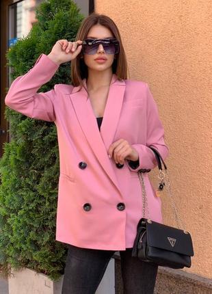 Стильный розовый пиджак пудра на пуговицах
