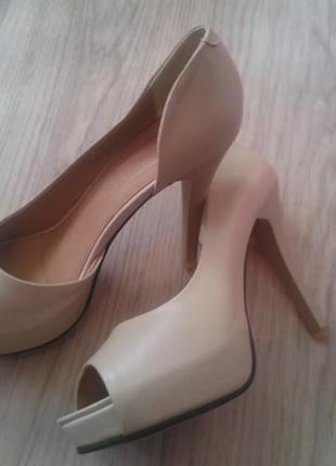 Туфли бежевые с открытым носом