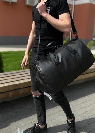 Большая качественная спортивная сумка,дорожная сумка, с отделом для обуви