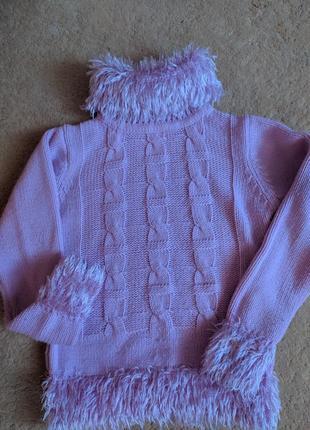 Теплый приятный свитер
