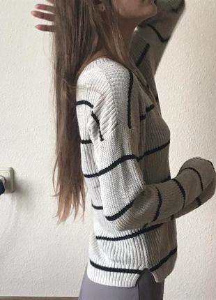Приятный бежевый свитер hollister в стиле кэжуал