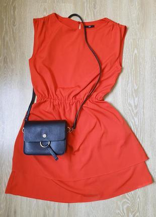 Красное платье почти новое
