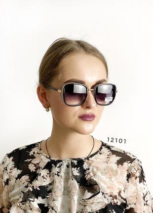 Стильные черные солнцезащитные очки к.12101