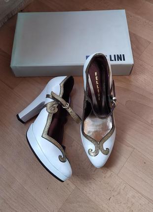 Очаровательные туфли fellini