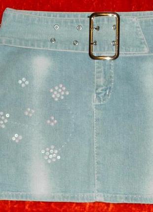 Джинсовая юбка. с вышивкой. с поясом.