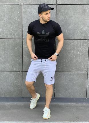 Летний костюм шорты и футболка