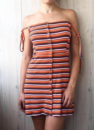 Яркое летнее платье в рубчик