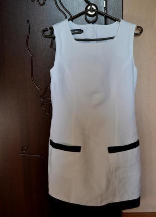Платье черно-белое элегантное