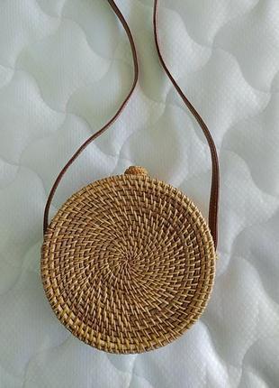 Трендова плетена  сумочка