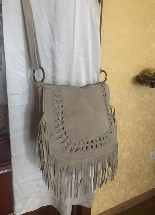 Стильная этно кожаная замшевая сумка, натуральная кожа замша с кистями китицами, италия