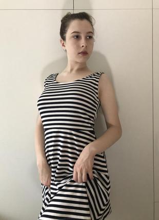Літня сукня для справжніх морячок