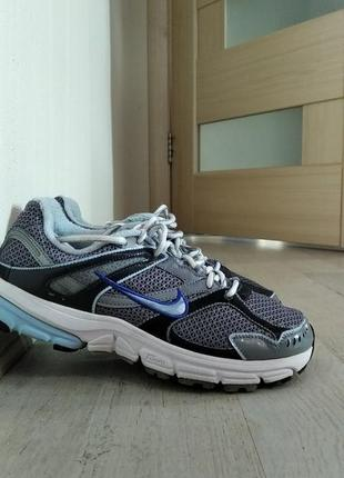 Кроссовкиnike wmns zoom structure triax+ 13
