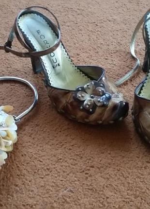 Кожаные босоножки, туфли