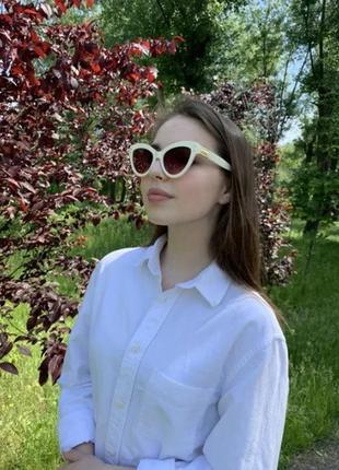 Солнцезащитные очки кошачий глаз женские с белой оправой розовые линзы