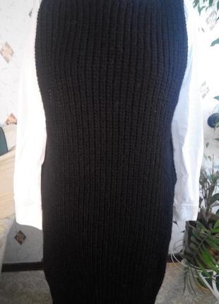 Удлинённый вязаный жилет, свитер без рукавов с разрезами