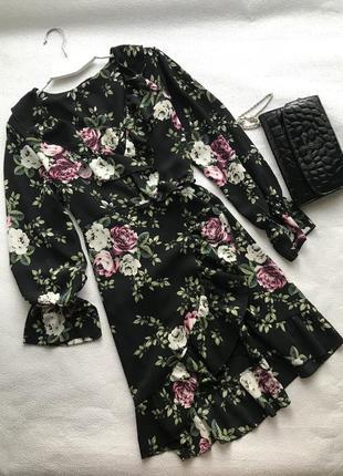 🌿большой выбор платьев 👗платье в цветочный принт на запах с воланом