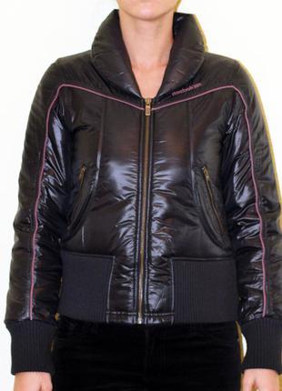 Куртка reebok в отличном состоянии