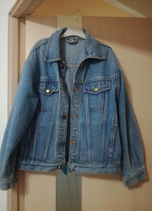 Стильный винтажный джинсовый пиджак