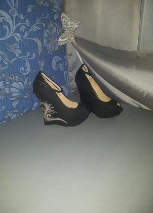 Туфли на танкетке босоножки на платформе
