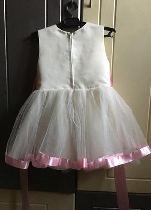 Нарядное платье для девочки 1,5-2,5 года