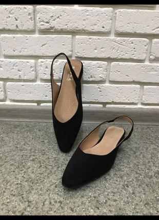 Натуральные туфли сандали