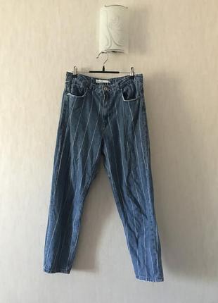 Мом джинсы в полоску stradivarius